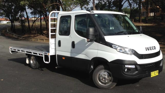 iveco daily dual cab 50c17 turbo 2016 review carsguide. Black Bedroom Furniture Sets. Home Design Ideas