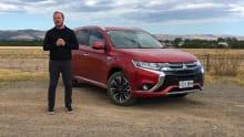 Mitsubishi Outlander PHEV LS 2017 review