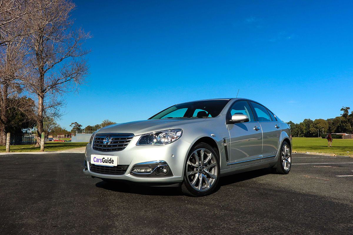 Sedan Vs Coupe >> Holden Calais V 2017 Review | CarsGuide