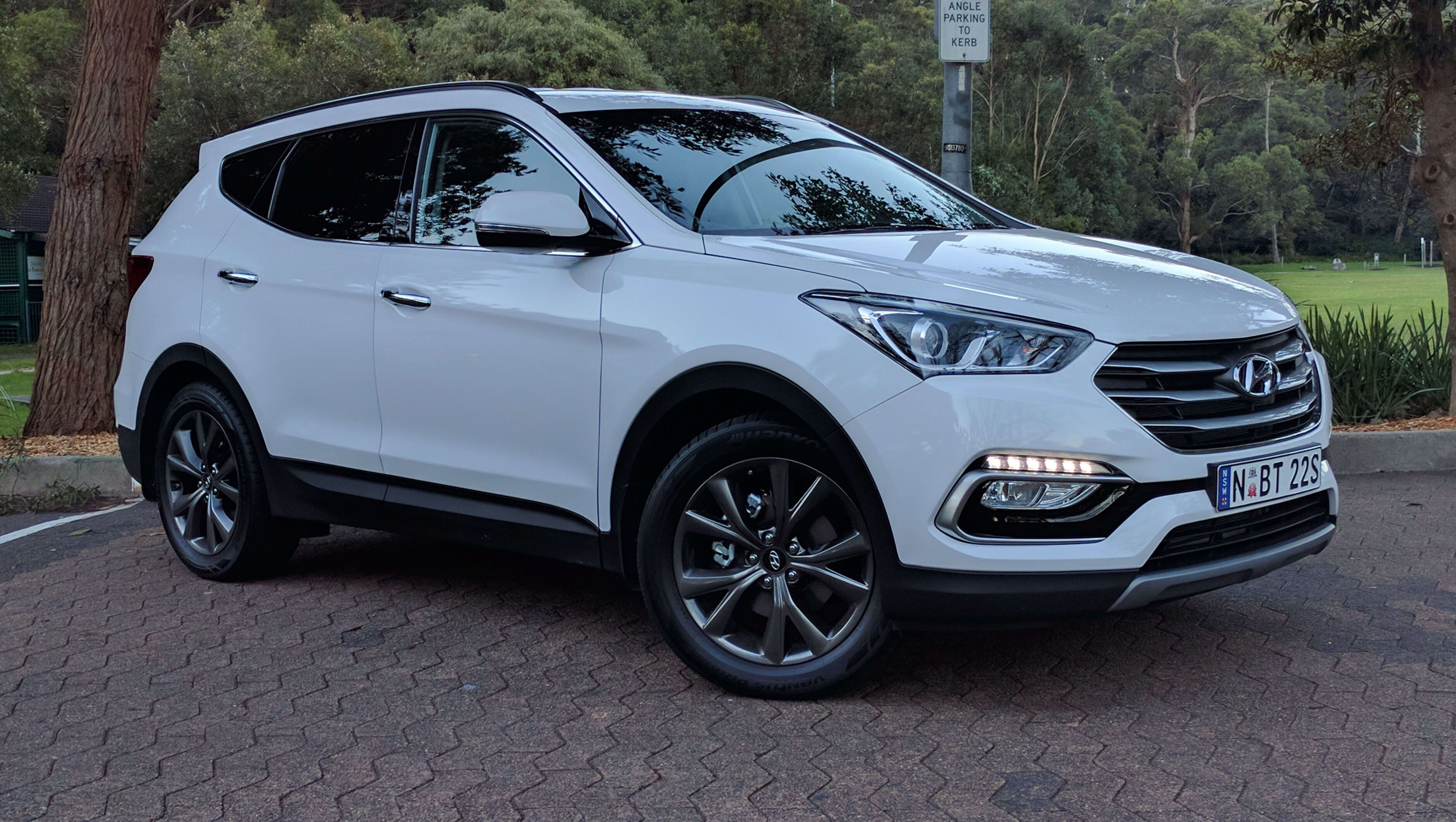 We Buy Used Cars >> Hyundai Santa Fe Active X 2017 review: weekend test | CarsGuide