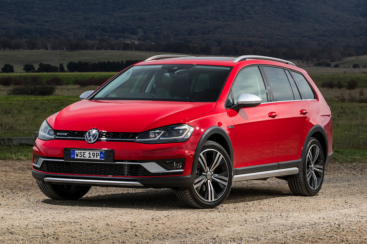 volkswagen golf alltrack 2017 review snapshot carsguide. Black Bedroom Furniture Sets. Home Design Ideas