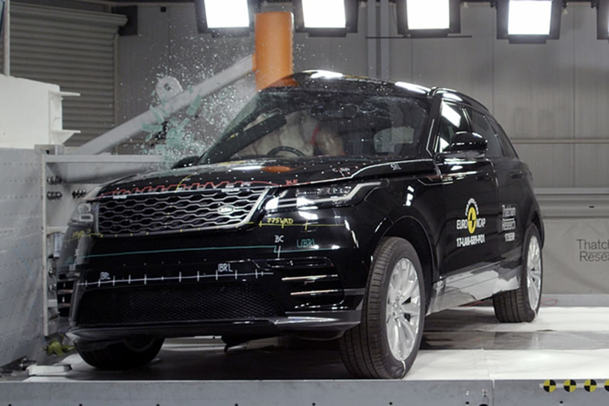 range rover velar awarded five ancap stars car news carsguide. Black Bedroom Furniture Sets. Home Design Ideas