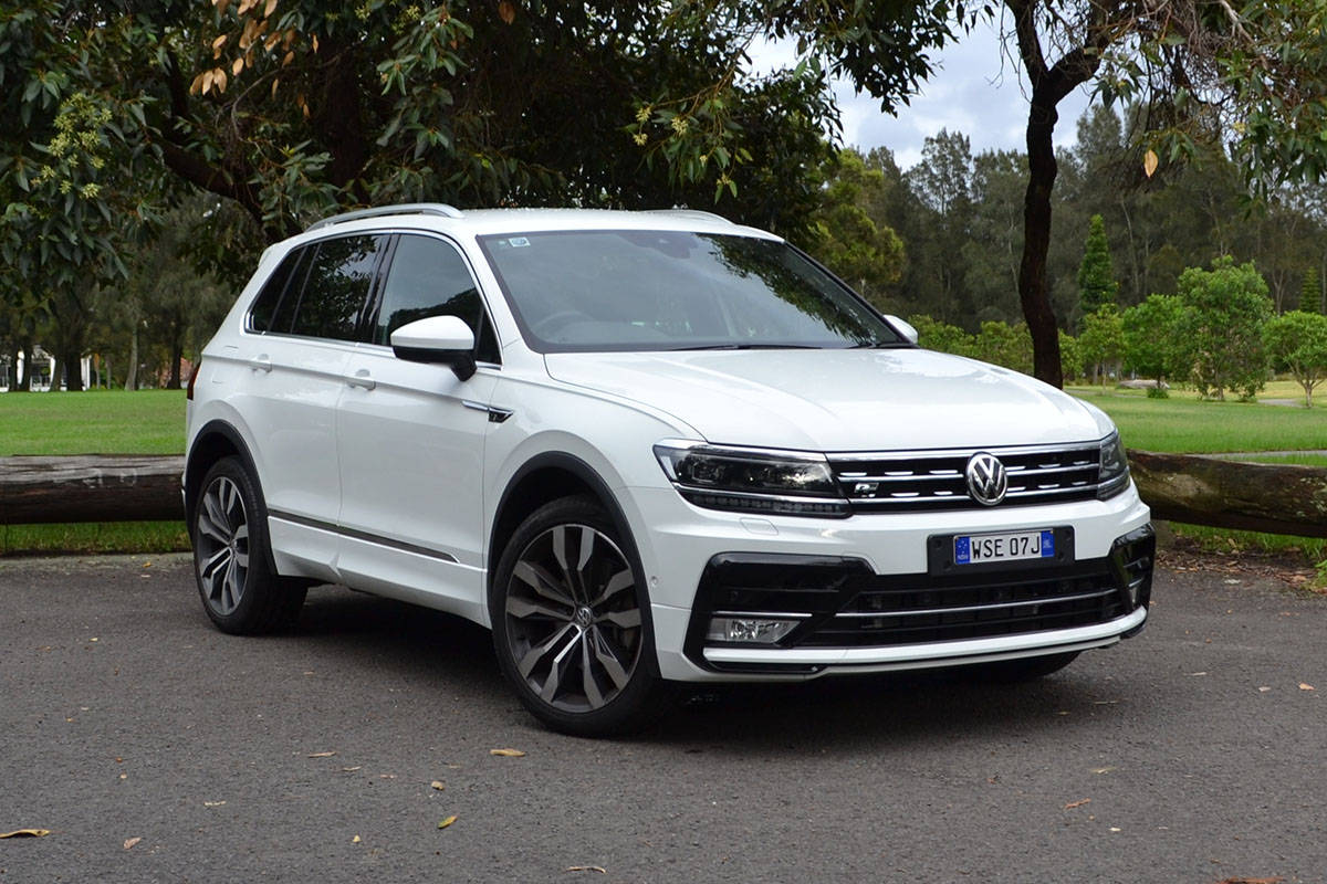 volkswagen tiguan 162tsi r line 2017 review road test carsguide. Black Bedroom Furniture Sets. Home Design Ideas