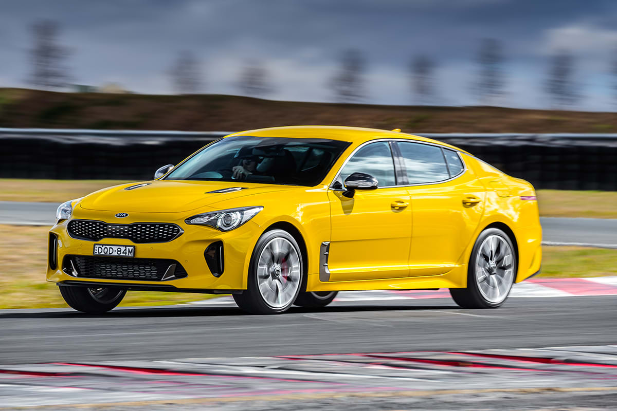 My Kia Performance >> Kia Stinger 330Si 2017 review: snapshot | CarsGuide