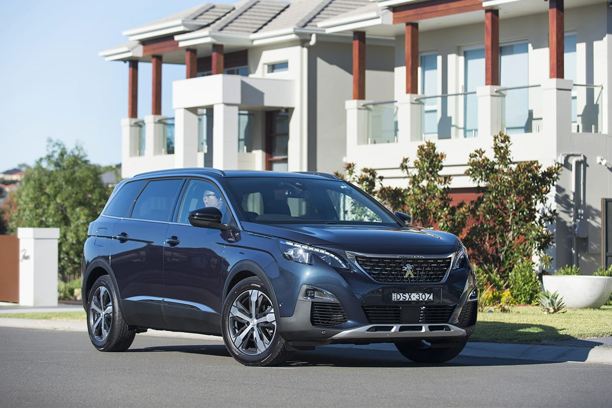 peugeot 5008 gt line 2018 review snapshot carsguide. Black Bedroom Furniture Sets. Home Design Ideas