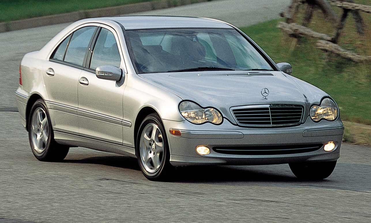 mercedes benz c200 used review 2001 carsguide. Black Bedroom Furniture Sets. Home Design Ideas