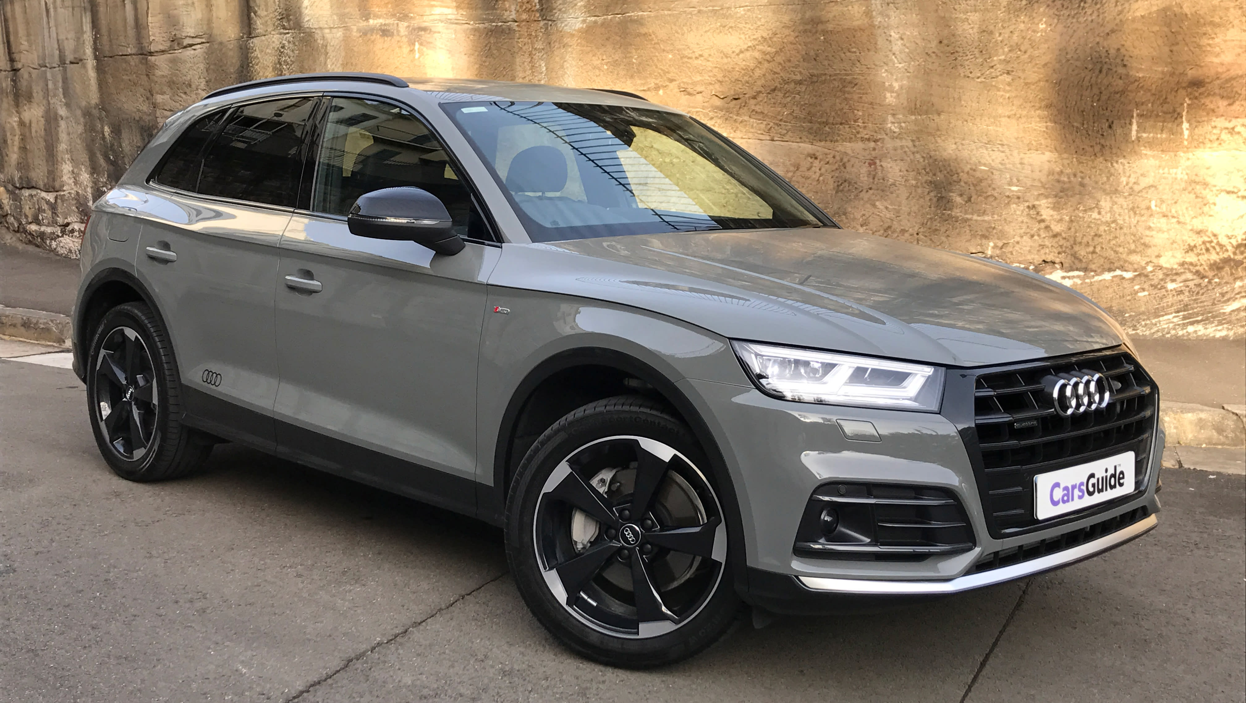 audi q5 sport petrol 2017 review carsguide. Black Bedroom Furniture Sets. Home Design Ideas