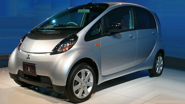 https://res.cloudinary.com/carsguide/image/upload/f_auto,fl_lossy,q_auto,t_default/v1/editorial/dp/images/uploads/Mitsubishi-i-k-cars-w.jpg
