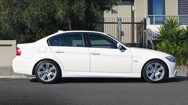 BMW Series I Review CarsGuide - Bmw 3251