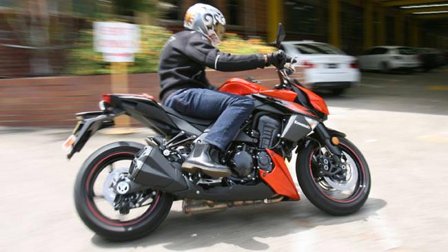 Kawasaki Z1000 ABS Review