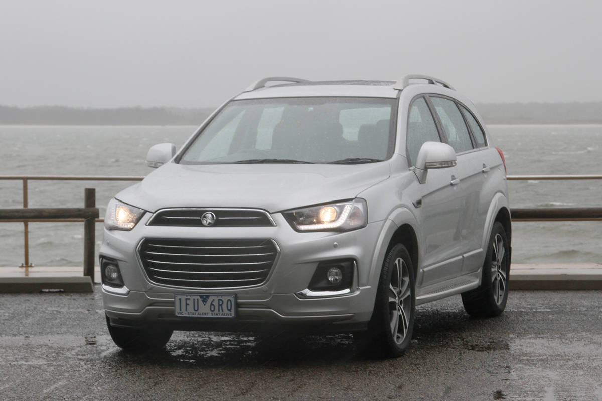 holden captiva 2017 review carsguide