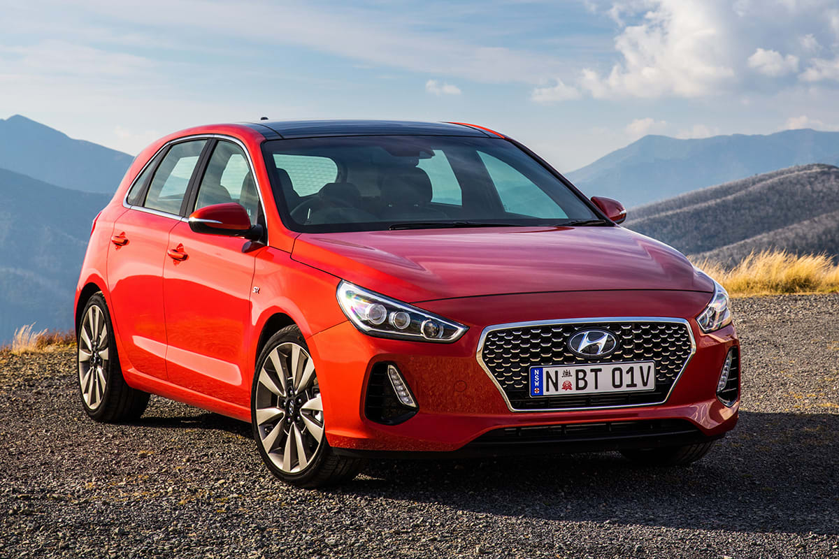 hyundai i30 sr premium 2017 review snapshot carsguide. Black Bedroom Furniture Sets. Home Design Ideas