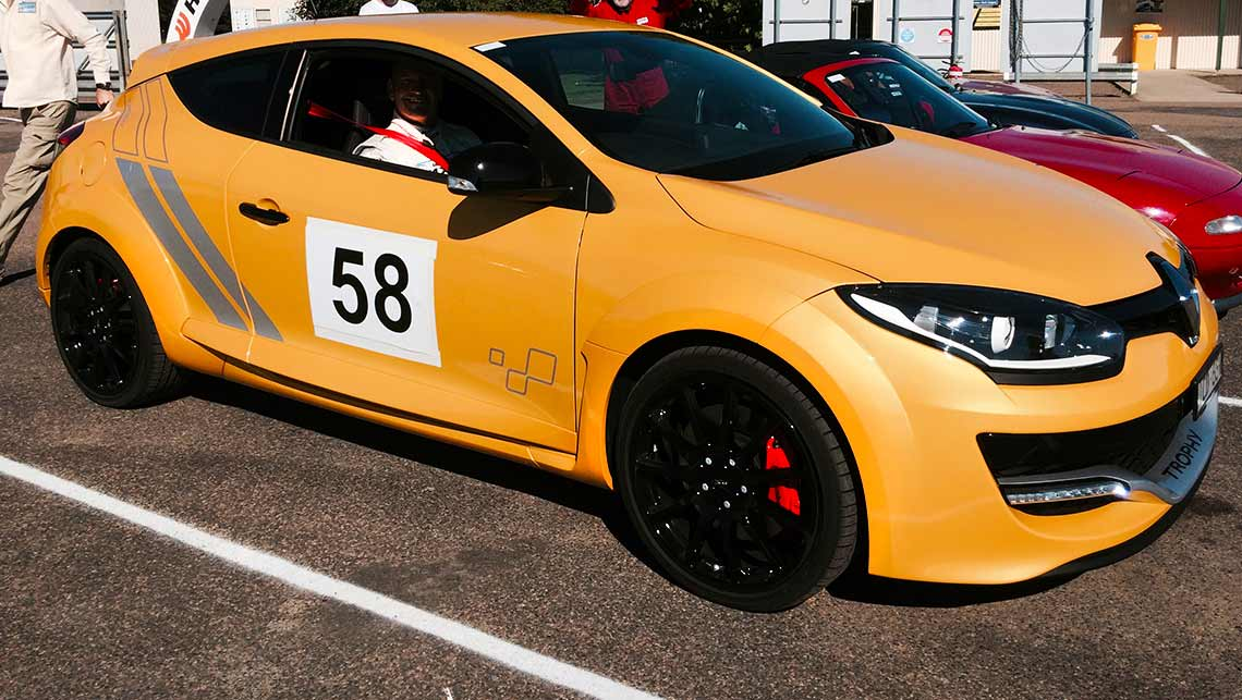 Brilliant 2015 Renault MeganeRS275 Trophy Review  CarsGuide