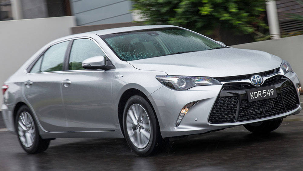2016 Toyota Camry Hybrid review | long term | CarsGuide