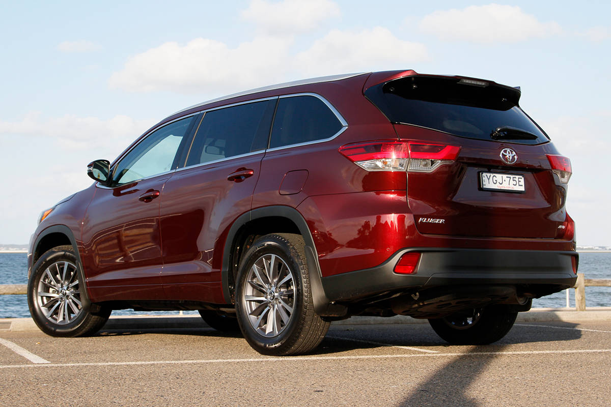 Toyota Kluger Gxl Fwd 2017 Review Snapshot Carsguide