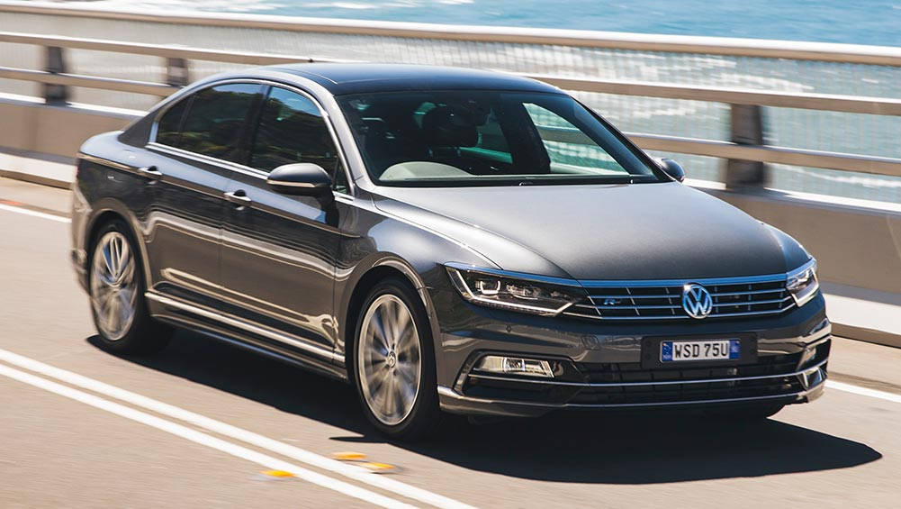 volkswagen passat 206tsi r line headlines my17 upgrades new car sales price car news carsguide. Black Bedroom Furniture Sets. Home Design Ideas