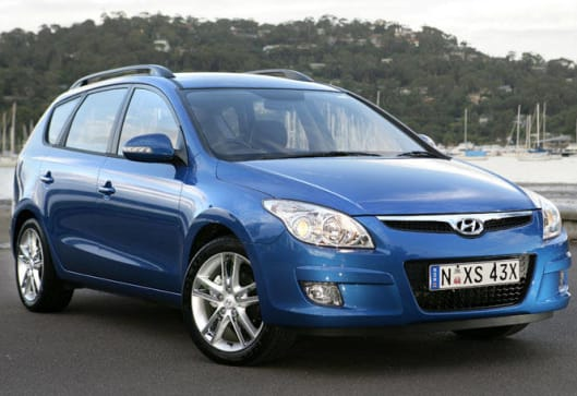 hyundai i30cw review carsguide. Black Bedroom Furniture Sets. Home Design Ideas