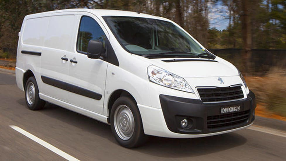 Renault Trafic Short Wheelbase Twin Turbo 2016 Review