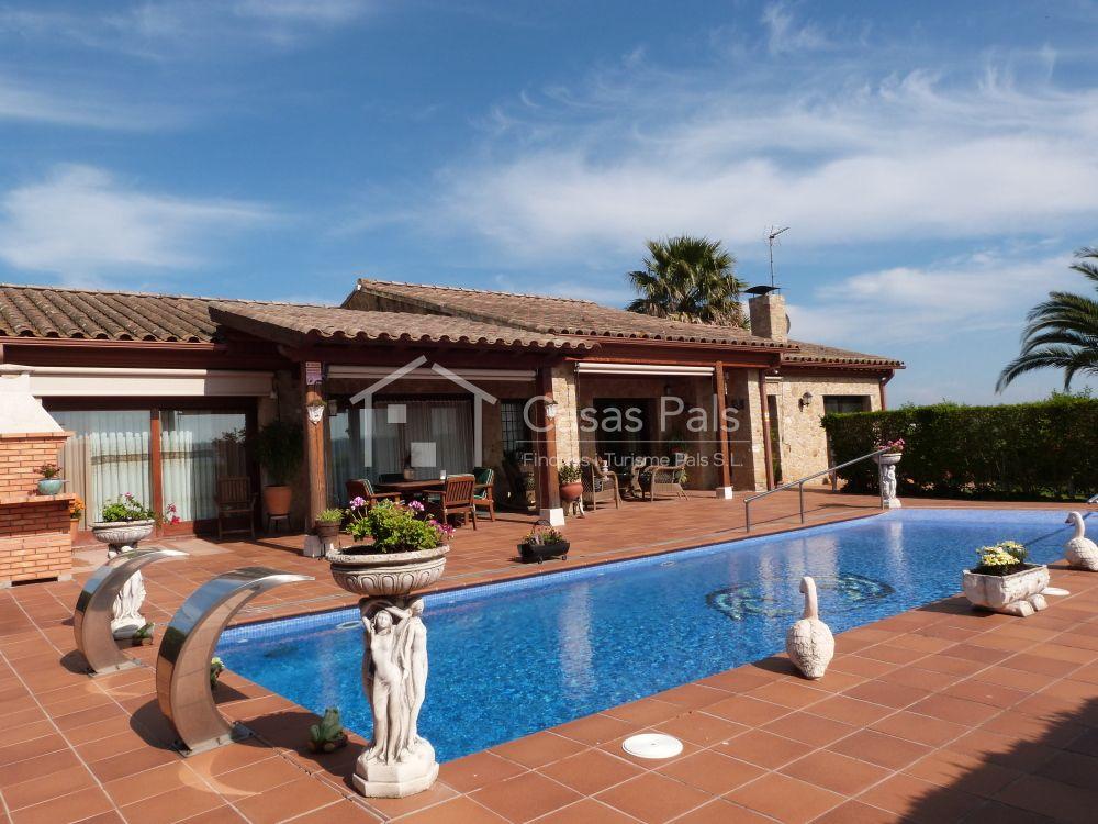 d24fc6cebd6e4 Magnífica casa con piscina privada y apartamento de invitados