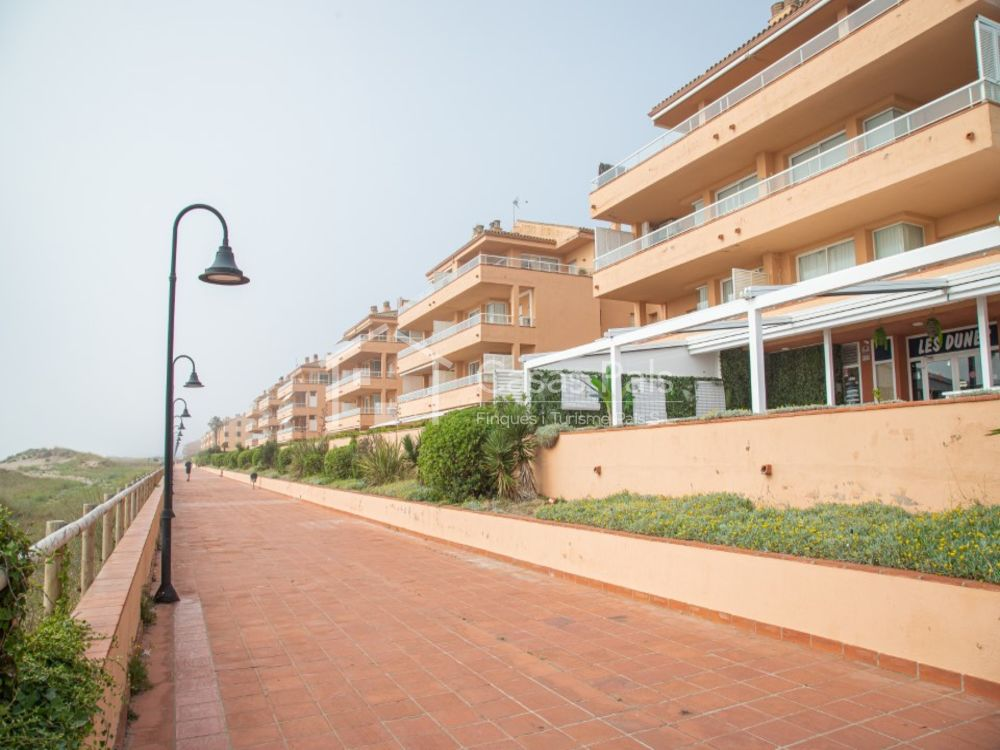 Apartamento a primera línea de mar en la Comunidad Golf Mar II