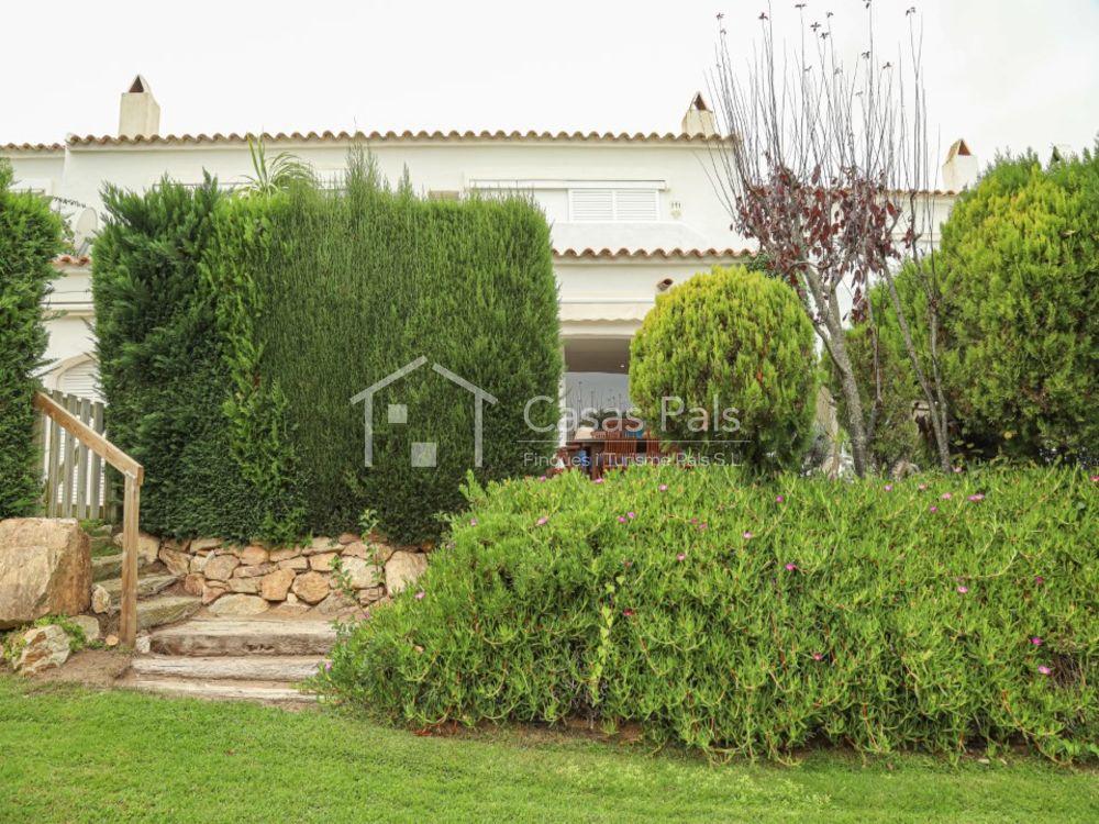 Casa adosada en la Comunidad La Reserva