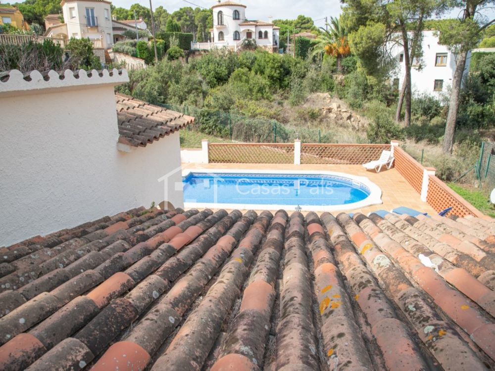 Villa with private swimming pool very close to the Pals Beach