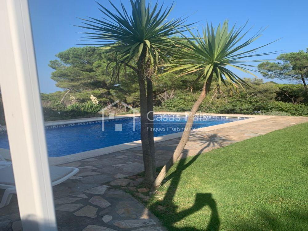 Casa amb vista al mar  situada molt a prop de la platja de Pals