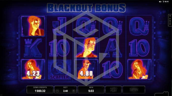 microgaming - lost vegas. Image showing blackout bonus feature