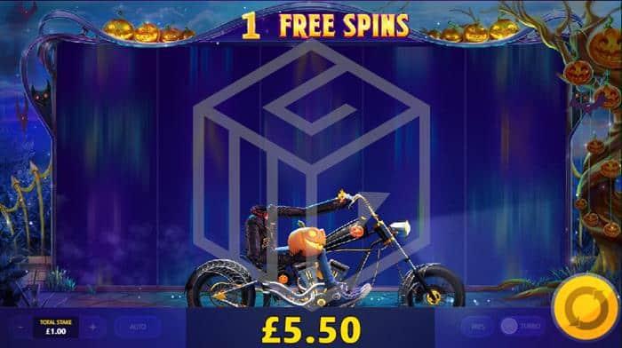 Lucky_Halloween_Red-Tiger reels free spins pumkin bike