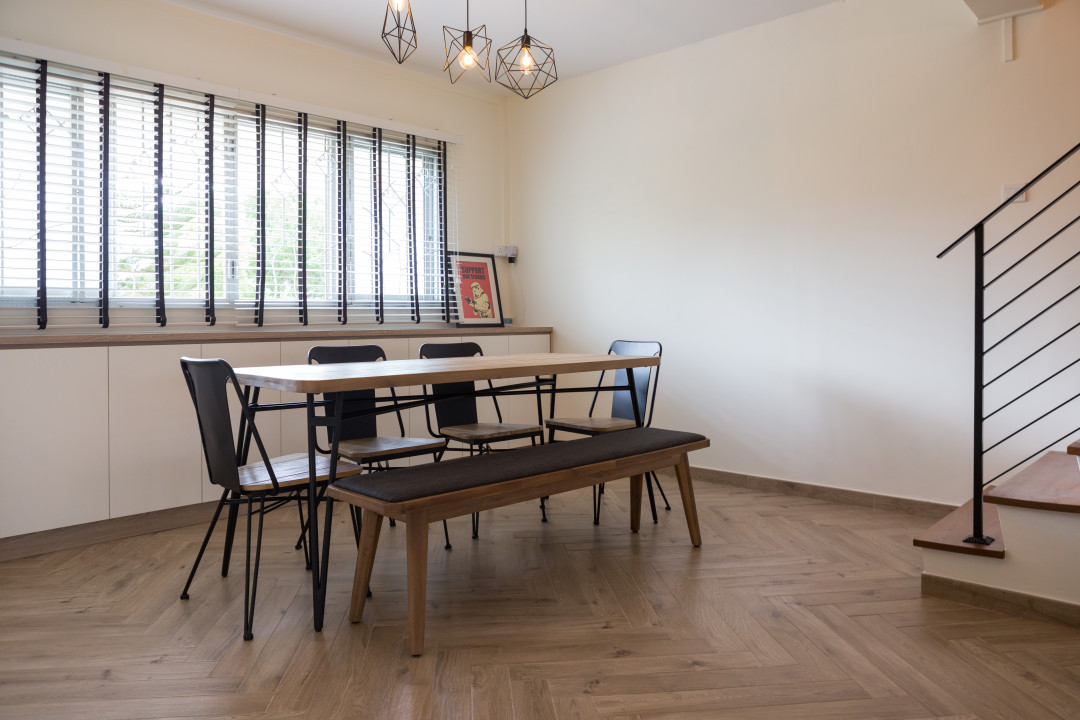 Review Of Reed Dining Table