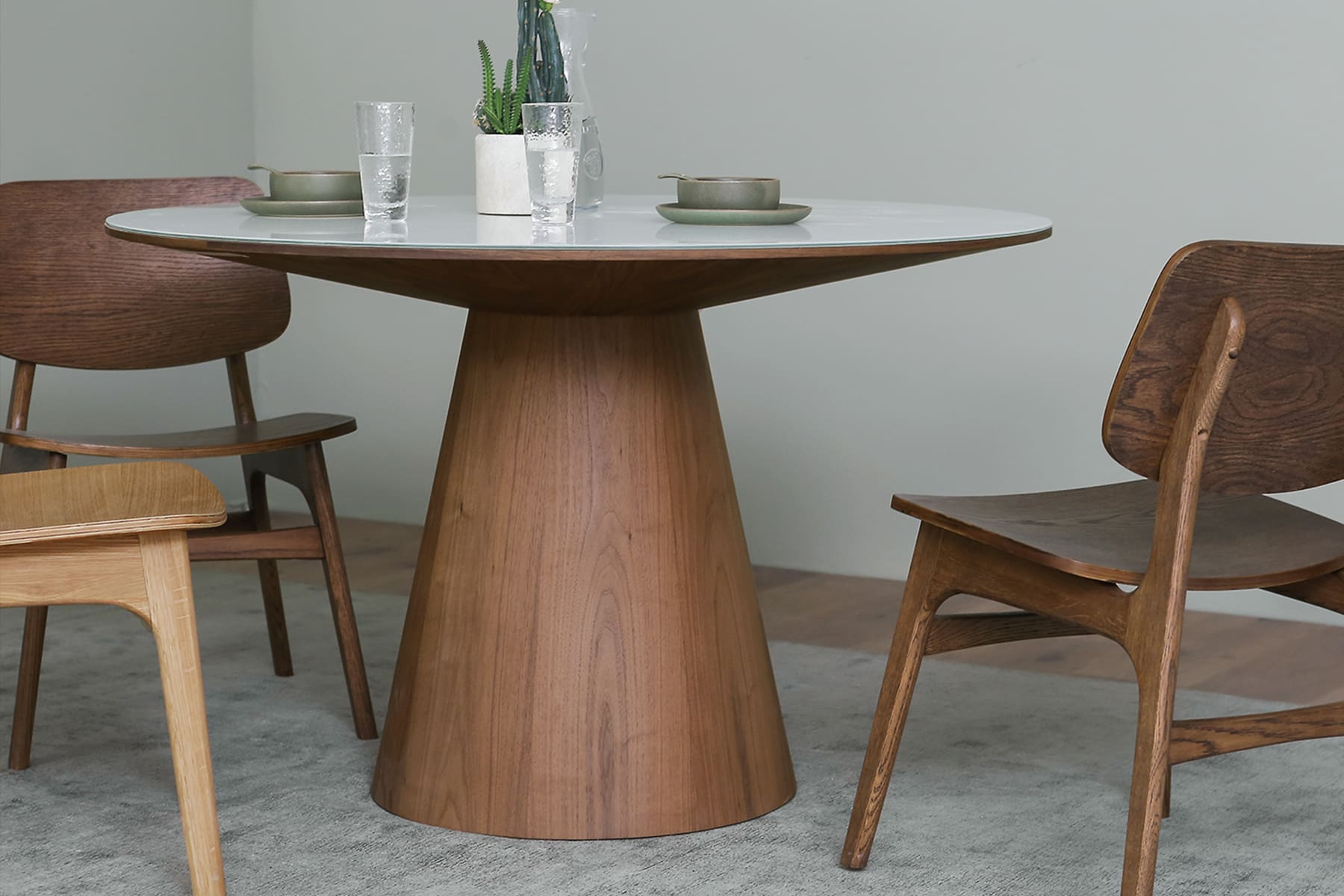 D6_Theo_Dining_Table