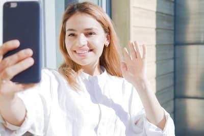MAV meisje en telefoon