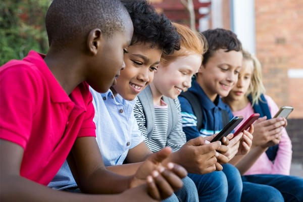 Kinderen mobiel TikTok 1200x800
