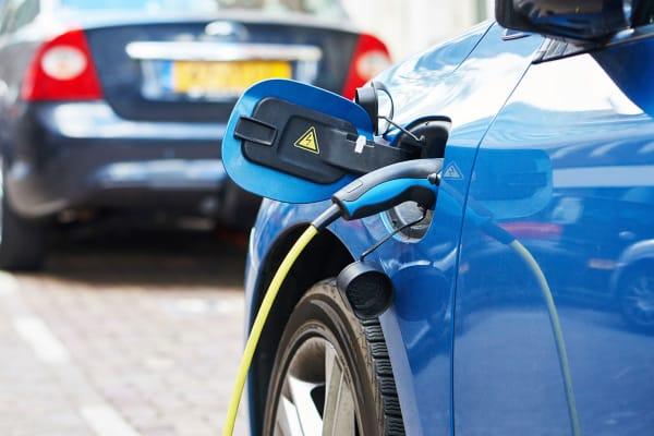 elektrische auto zuinig opladen