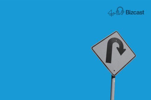 traffic sign indicating a U-turn