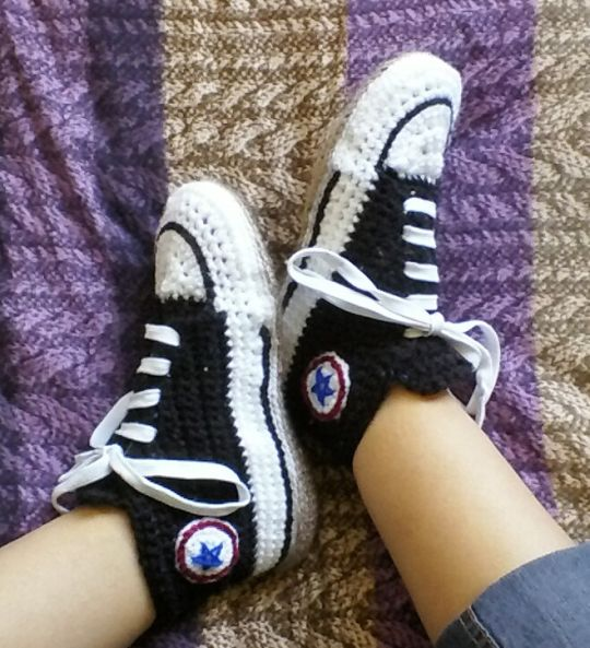 e2c0dc4fdc3c Converse-style Slipper Socks - Crochet creation by vikthehook ...