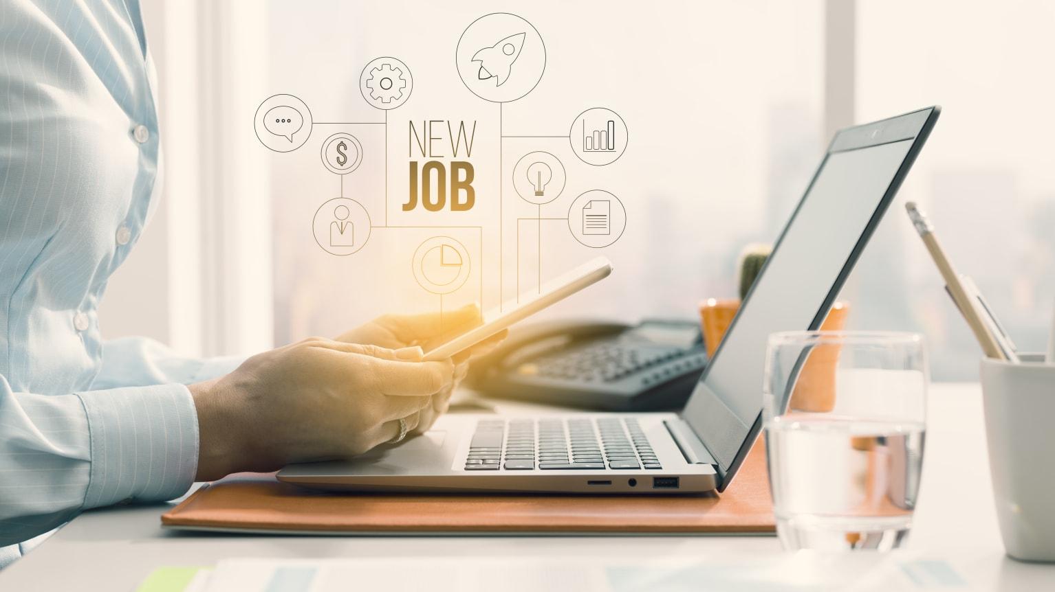 Cover - Trouvez un emploi dans le numérique ou l'industrie grâce à la plateforme eDRH Sud !