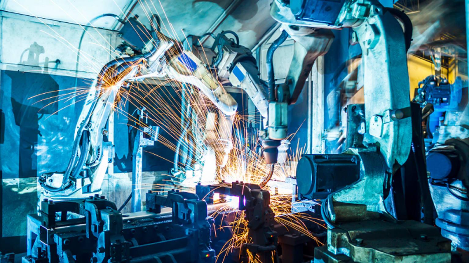 Cover - Zoom sur les métiers dans l'industrie qui recrutent le plus en PACA