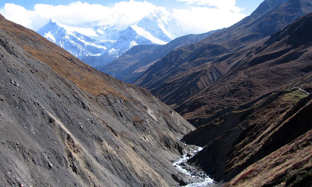 Marshyangdi river with Annapurna ranges