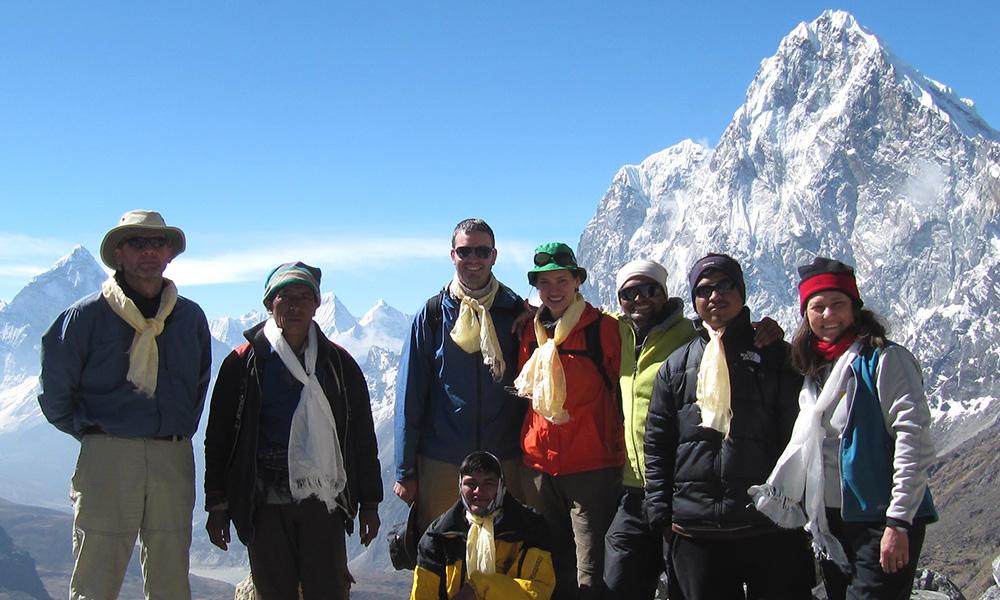 Group photo at Chola