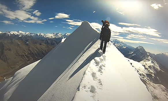 Chulu Far East Peak Climbing with Thorong La Pass