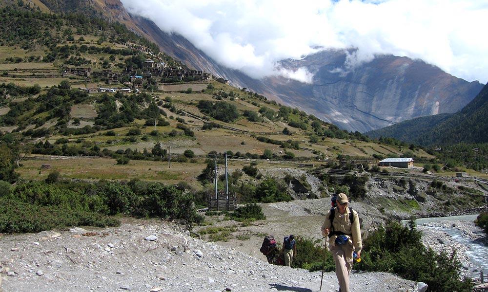 Trekkers at Upper Pisang