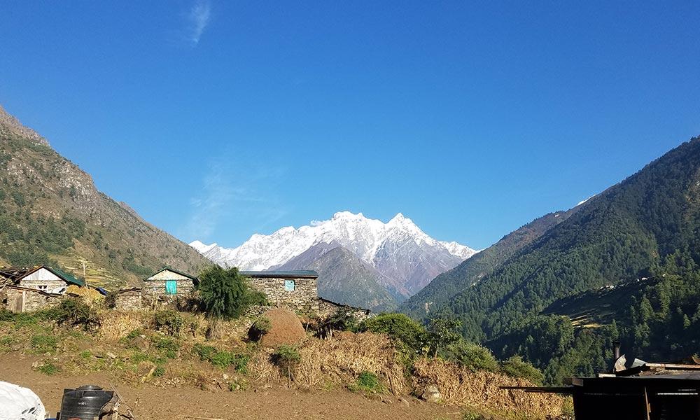 Siringi Himal from Chumling