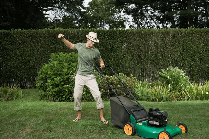 Sådan holder man sin  græsplæne i sommervarmen