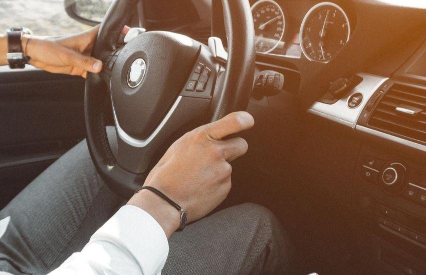 Guide til omregistrering – dette skal du huske på i forbindelse med ejerskifte af bil