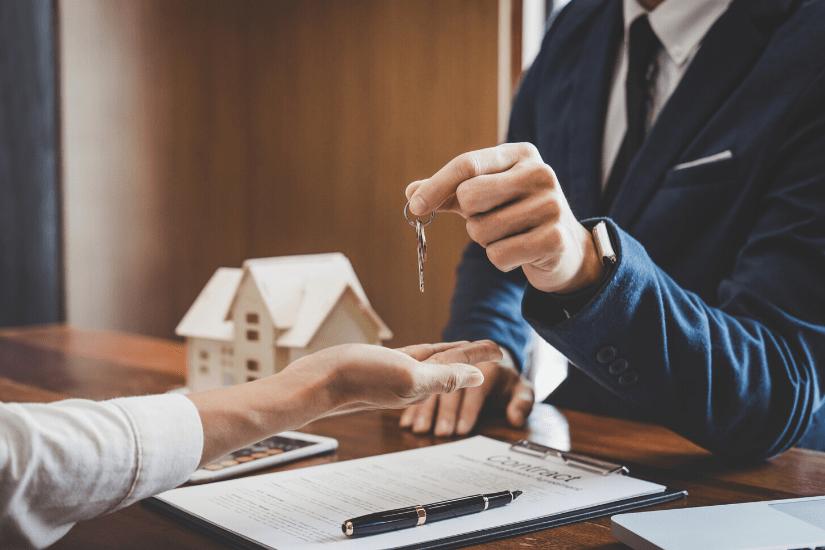 Hvordan bliver man ejendomsmægler trainee?