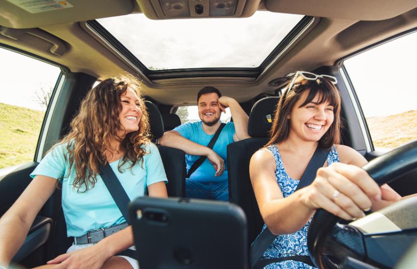Nye regler for brug af telefoner og andre gadgets når du kører!