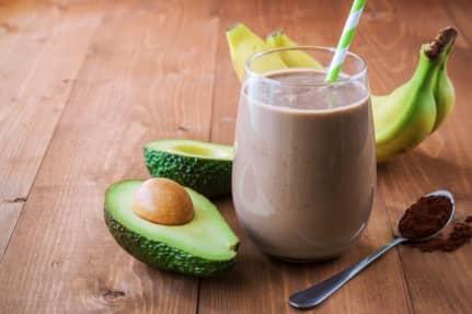 Opskrift: Cremet kakaosmoothie med topping