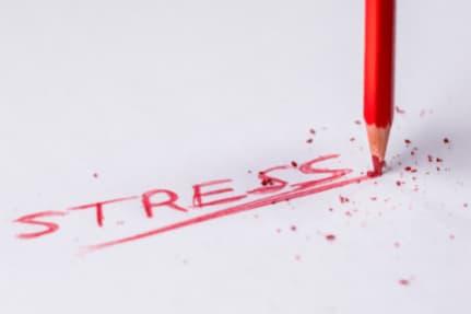 Er Kit Harington i behandling for stress og alkohol?