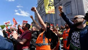 Angry French rail workers